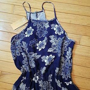 Francesca's Collections Dresses - NWT Francesca's maxi halter dress